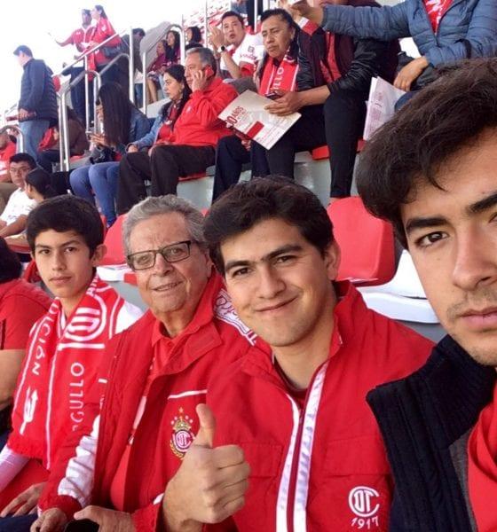 Periodista Guillermo Ochoa dio positivo por Covid-19. Foto: Twitter