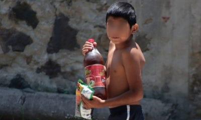 Tabasco va contra la venta de refrescos y comida chatarra a niños