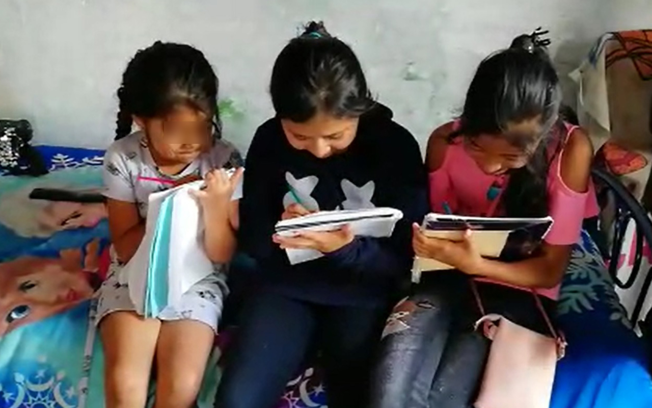 Niños de Iztapalapa se quedan sin clases por falta de luz