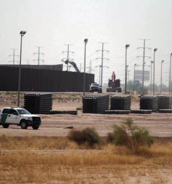 Detienen a exasesor de Trump por fraude en la construcción del muro