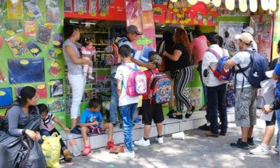 Más de 120 mil papelerías y librerías del país reabrirán sus puertas