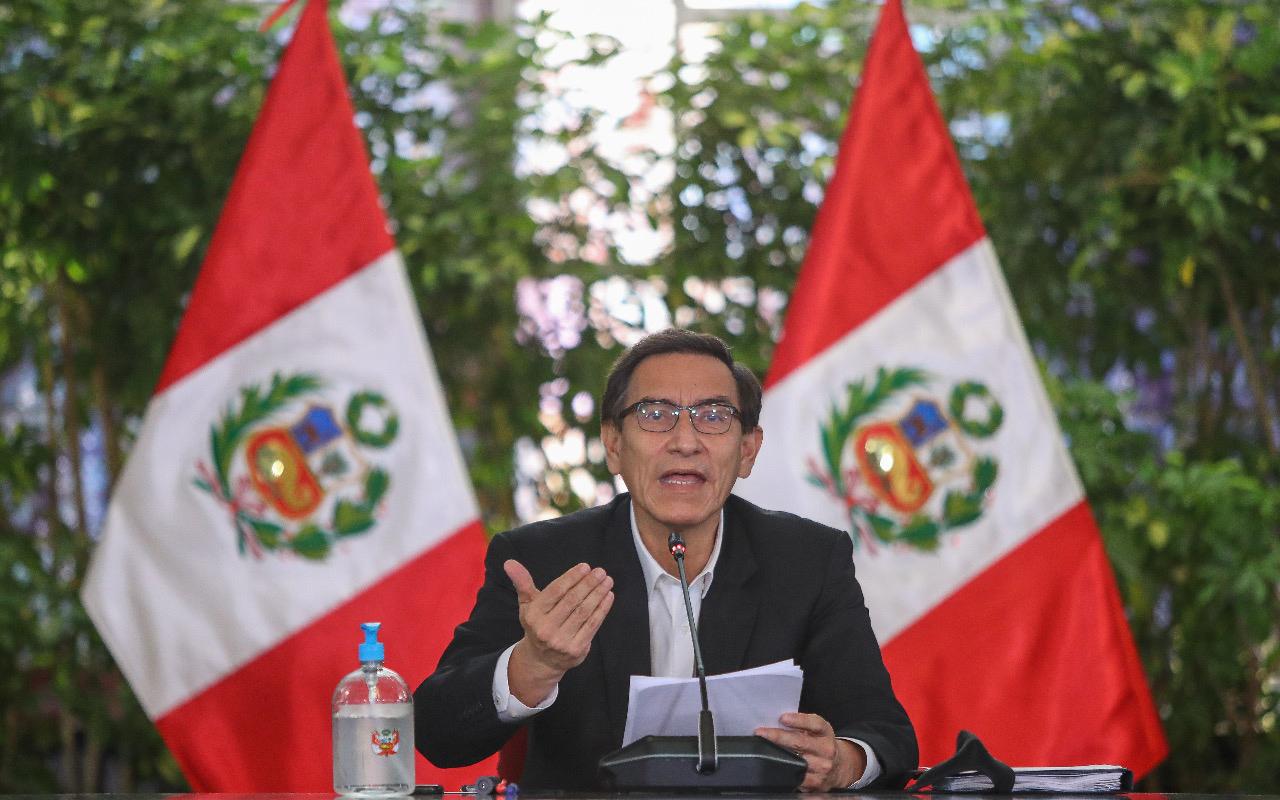 Prohíben reuniones familiares y con amigos en Perú
