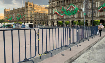 Vuelven a colocar vallas en el Zócalo de la CDMX