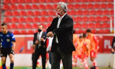 Acepta Vucetich desventaja para enfrentar el clásico. Foto: Twitter Chivas