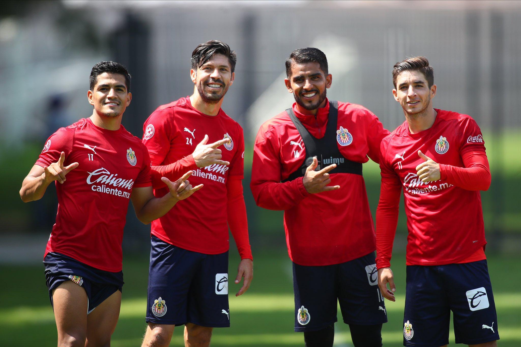 Arremete Bofo en contra de Oribe. Foto: Twitter Chivas