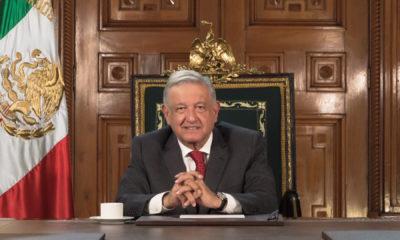 Asegura López Obrador que México va saliendo del hoyo. Foto: Twitter López Obrador