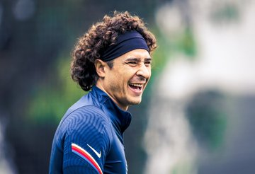 Dan a conocer el tiempo que estará fuera Ochoa. Foto: Club América