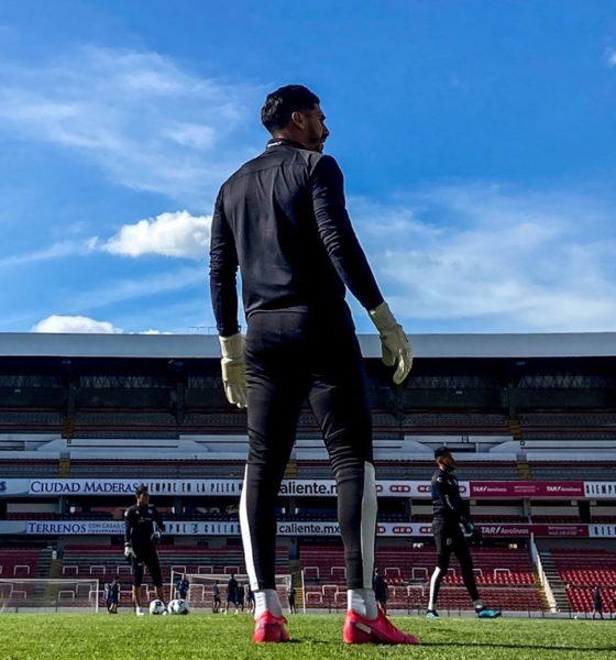 Gil Alcalá provocó susto en Querétaro. Foto: Twitter