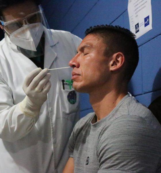 Jugadores de la selección de Guatemala sometidos a exahustivas pruebas para detectar Covid-19. Foto: Twitter Guatemala