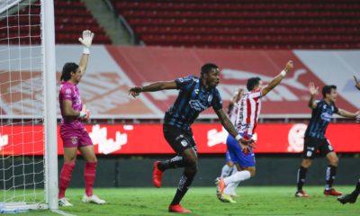 Querétaro le arrebata la victoria a Chivas. Foto: Twitter Querétaro