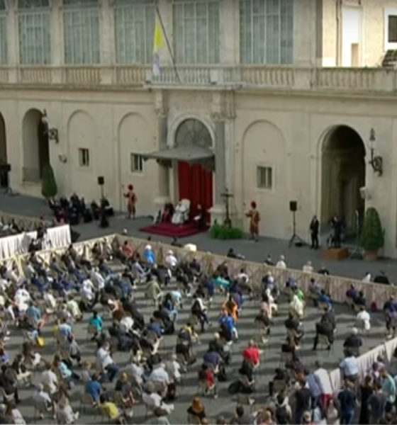 Papa Francisco retoma audiencias públicas en la plaza de San Pedro