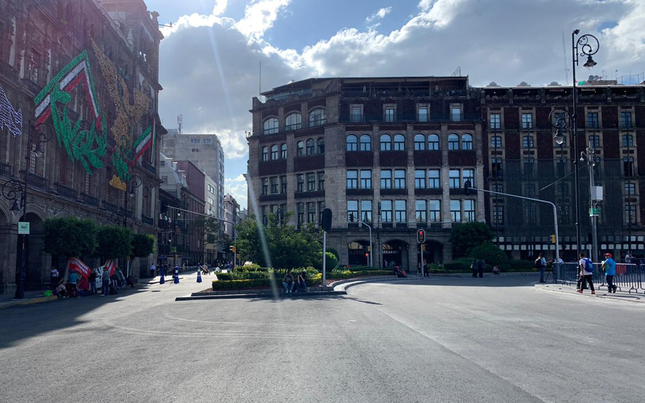 Recortan carriles de Plaza de la Constitución para zona peatonal
