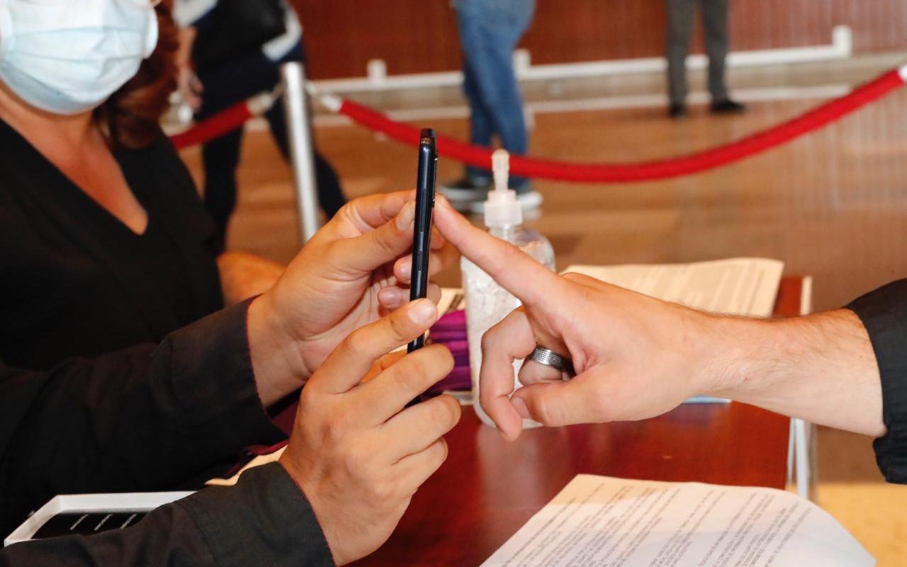 Cámara de Diputados adquiere celulares para votar a distancia