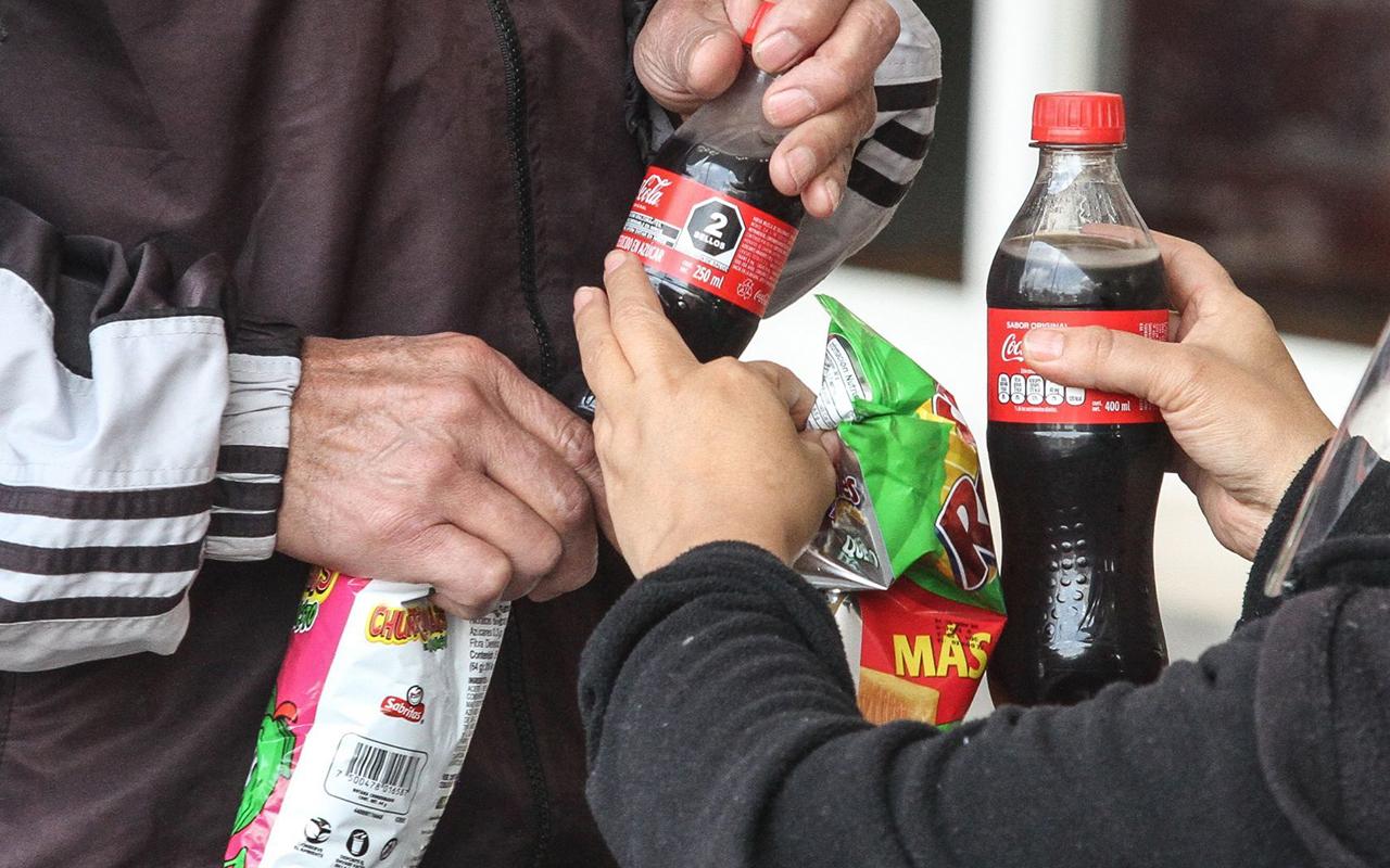 ¿Aumentarán los impuestos a cigarros, alcohol y productos chatarra?