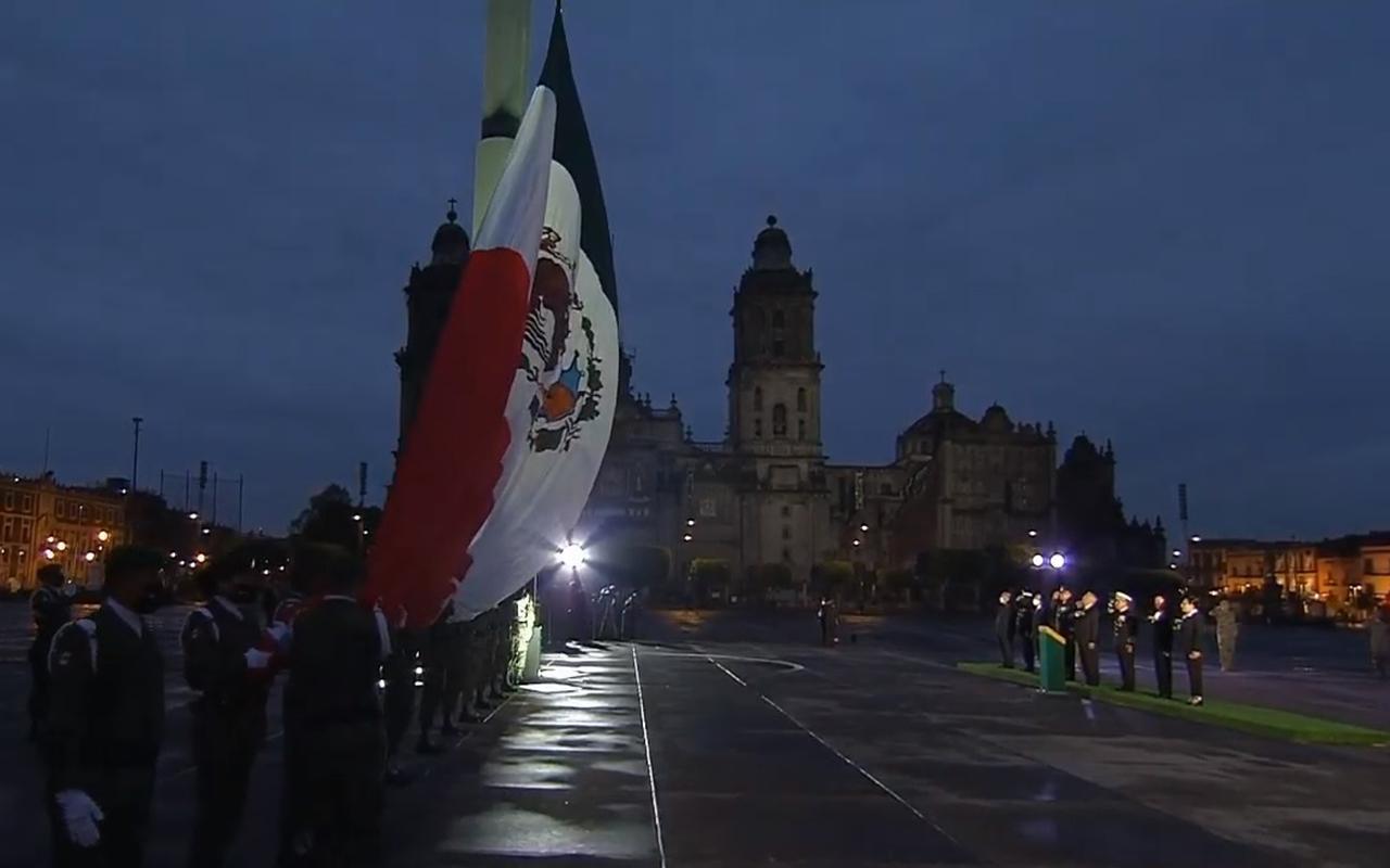 Izan bandera a media hasta por aniversario de sismos en México. Noticias en tiempo real