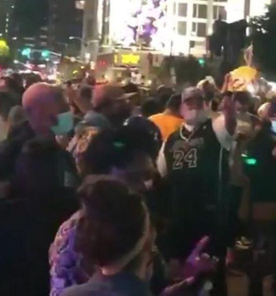 Festejos por el triunfo de los Lakers. Foto: Youtube