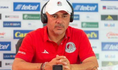 Guillermo Vázquez queda fuera de San Luis. Foto: Twitter