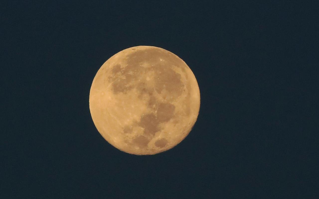 ¿Cuántas lunas llenas habrá este mes?