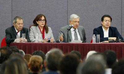 AMLO sugiere a Morena seguir las encuestas para elegir a dirigencia