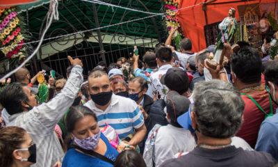 Fieles a San Judas Tadeo adelantan festejos ante cierre de templo