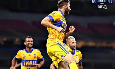Tigres le pega a Cruz Azul. Foto: Twitter Liga MX