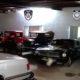 Catean casa de Raymundo Collins; encuentran autos de lujo