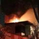 Rescatan a familia de incendio en edificio de la CDMX