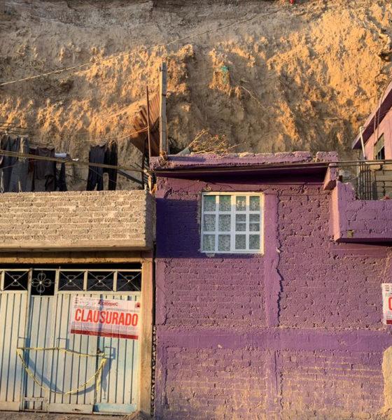 Desalojan a familias por riesgo de desgajamiento de cerro en Ecatepec