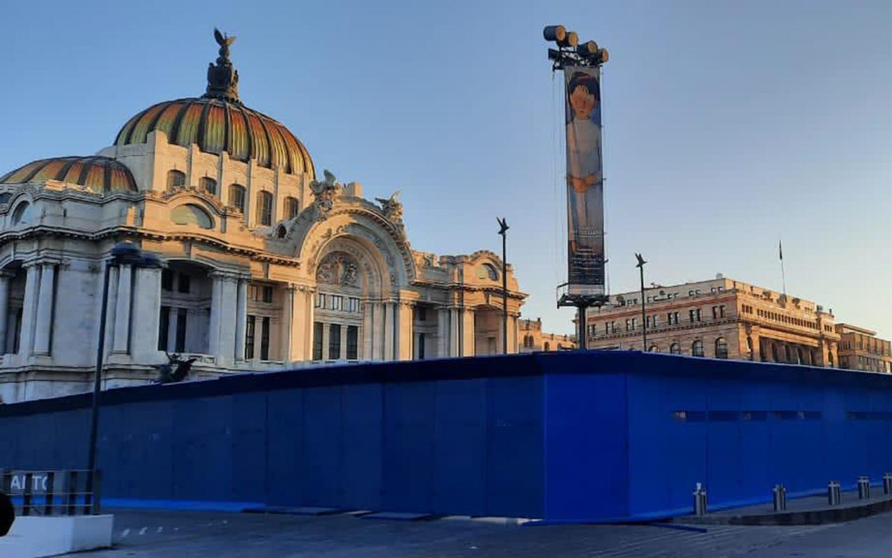 Blindan Bellas Artes por posibles ataques de feministas