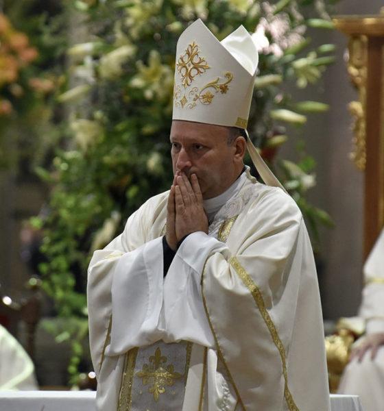 Pide Nuncio Coppola a obispos de México romper las barreras