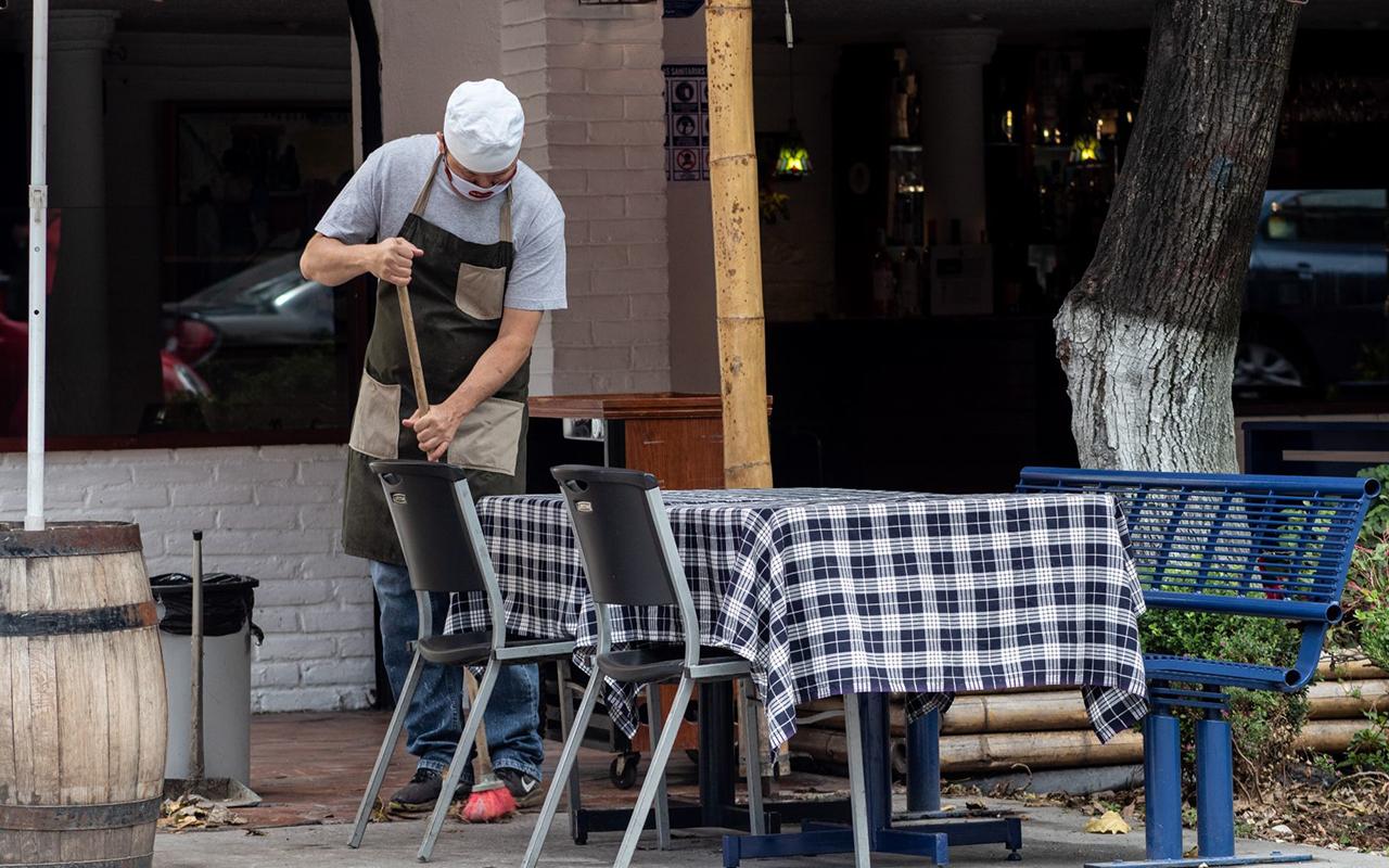 CDMX reduce horarios de restaurantes y gimnasios por contagios de Covid-19