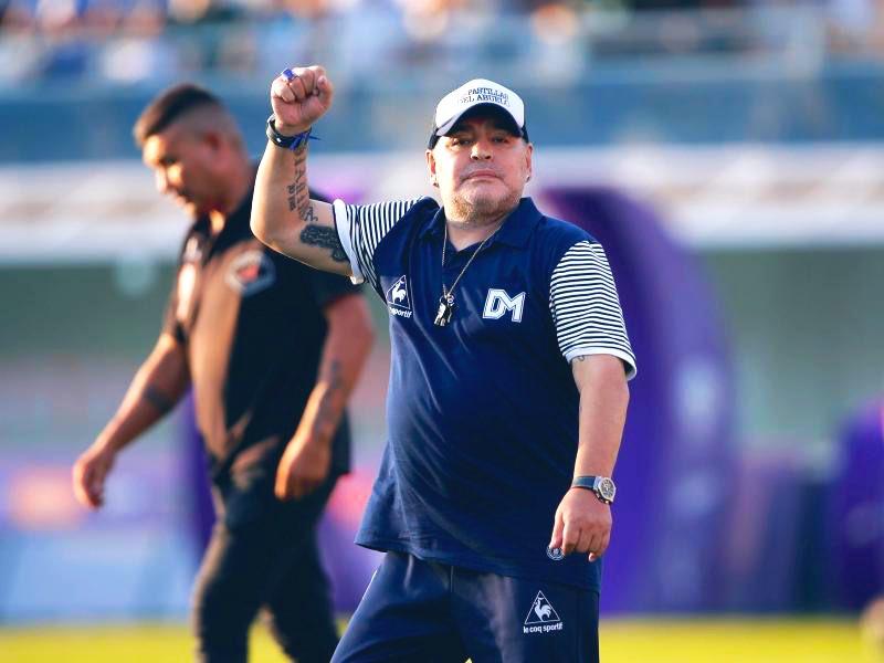 Operarán de urgencia a Maradona. Foto: Twitter