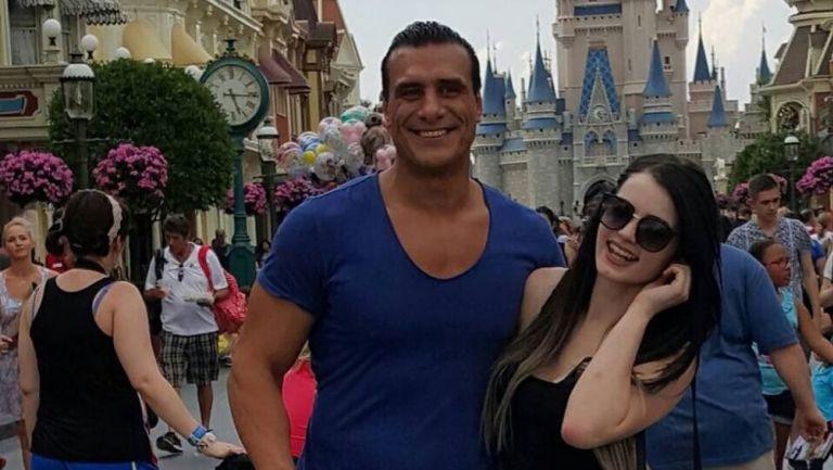 Paige sufrió una pesadilla con Alberto del Río. Foto: Twitter