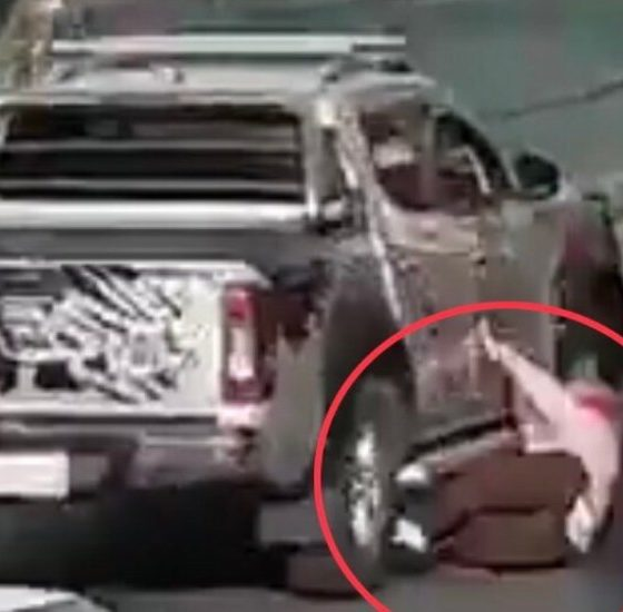 Ubican a camioneta que atropelló a Mujer. Foto: Twitter