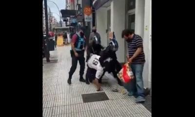Efectivos de la policía de Buenos Aires golpearon dos indigentes en situación de calle