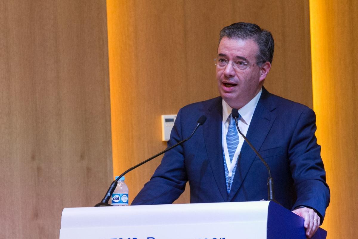 Banxico prevé una contracción del PIB de 8.9 por ciento en 2020