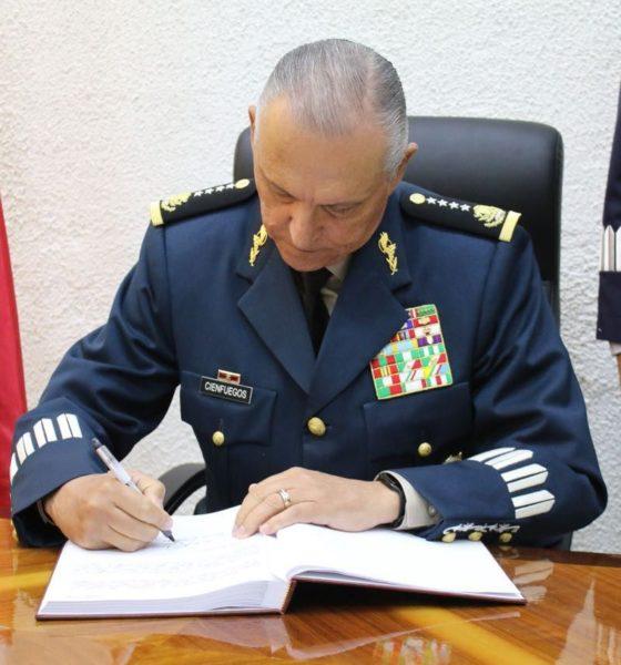 """El General Cienfuegos se declaró """"no culpable"""" de vínculos con el narco."""