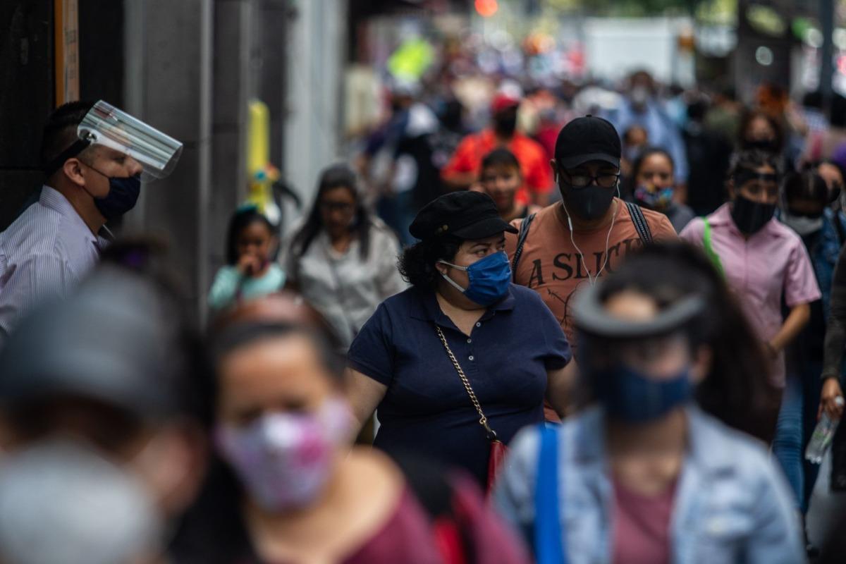 """CDMX al """"límite"""" del rojo; se mantiene en semáforo naranja"""