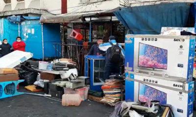 Vecinos evitan desalojo de familias en predio irregular