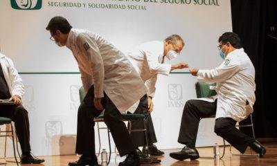 México cuenta con un médico especialista por cada mil personas