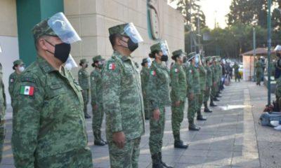 Capacitan a militares y marinos para aplicación de vacuna vs Covid-19