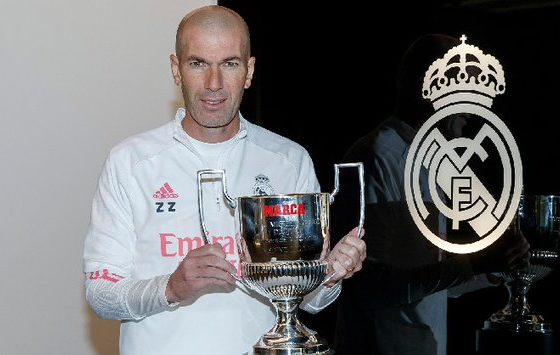 Explota Zidane por críticas en contra del arbitraje. Foto: Twitter Real Madrid