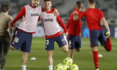 Héctor Herrera se lesionó. Foto: Twitter Atlético de Madrid