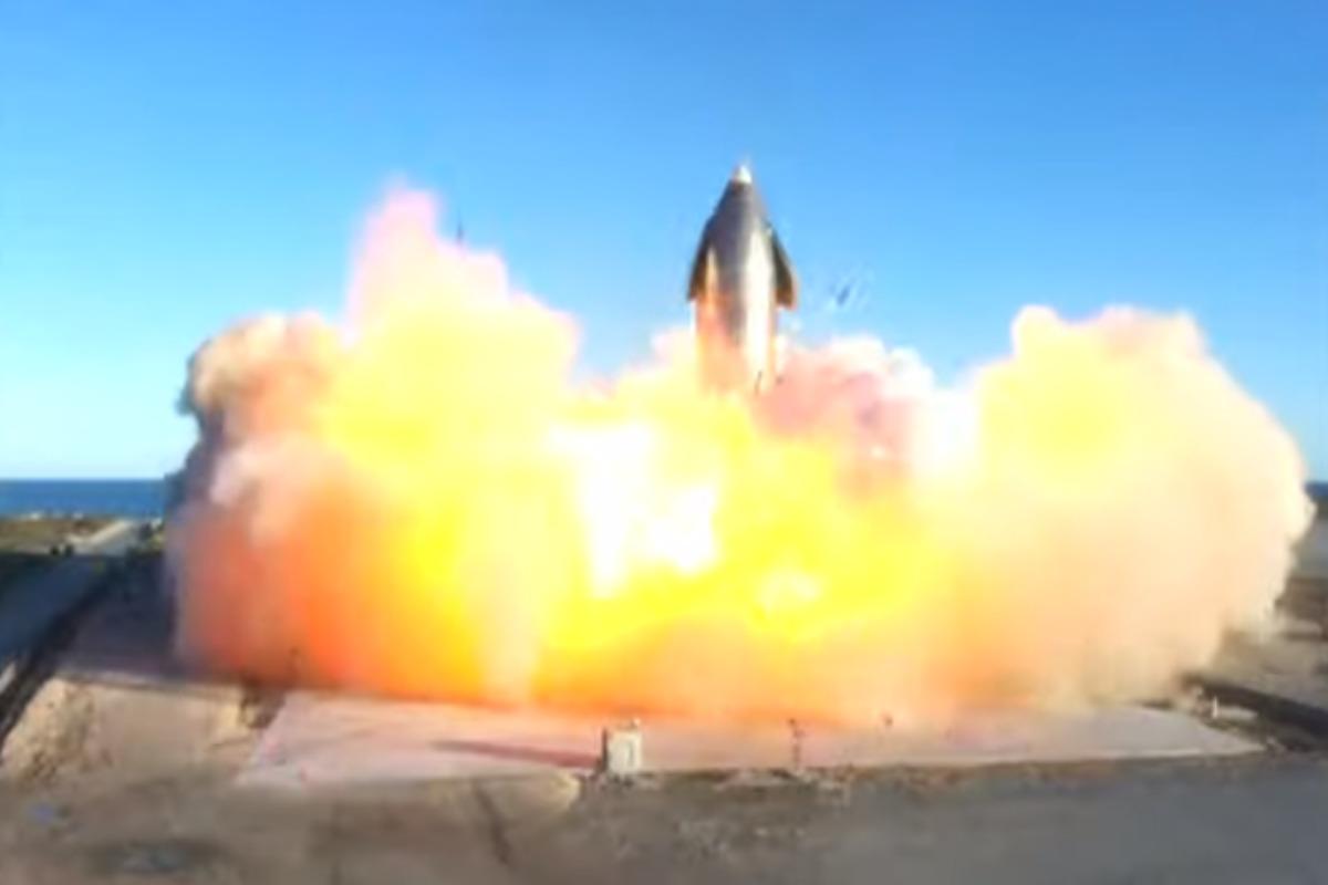 Explota prototipo de SpaceX durante intento de aterrizaje