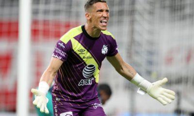 Vinokis queda fuera del Puebla. Foto: Twitter Liga MX