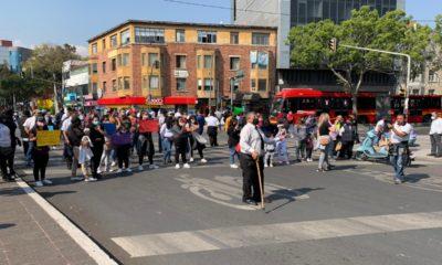 Choferes de la Ruta 1 protestan en la Semovi; piden permiso para trabajar