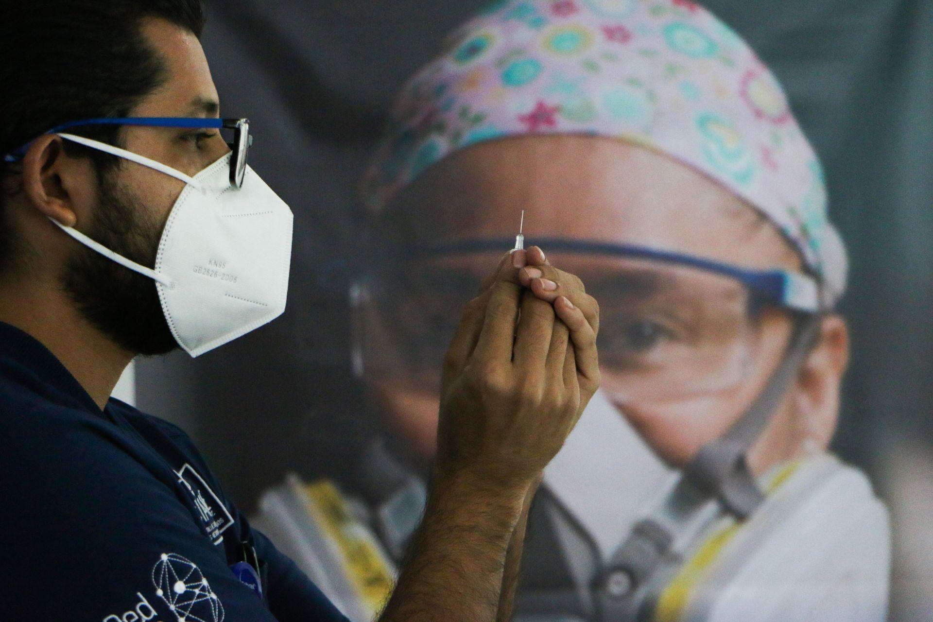 Vacunación contra COVID-19 en iniciará el 24 de diciembre