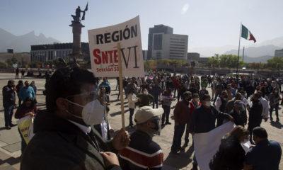 Maestros colapsan Nuevo León por pago de 3 meses de aguinaldo