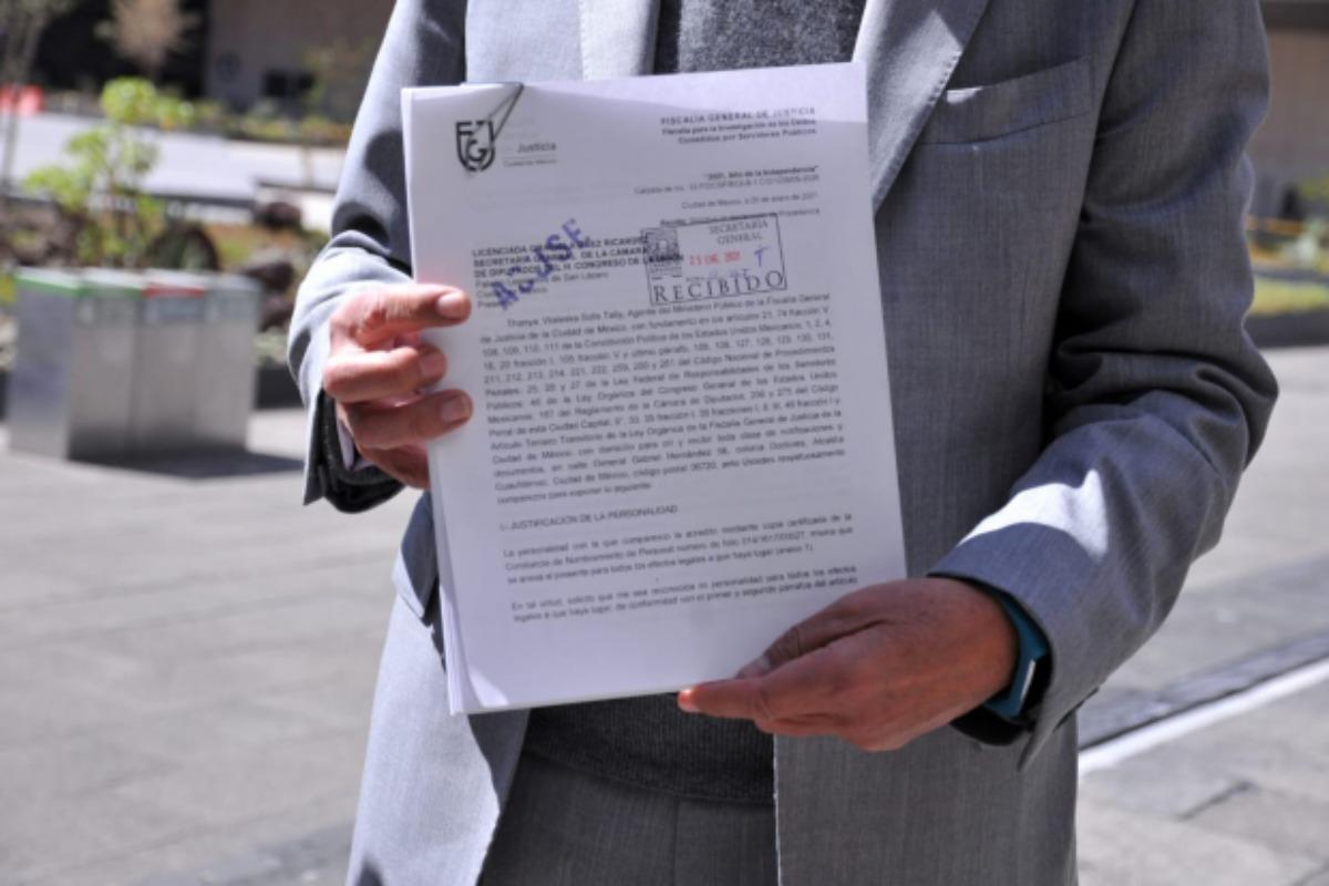 Fiscalía capitalina formaliza solicitud de desafuero vs Mauricio Toledo