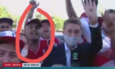 Aficionado de River Plate le roba celular a reportero. Foto: Twitter